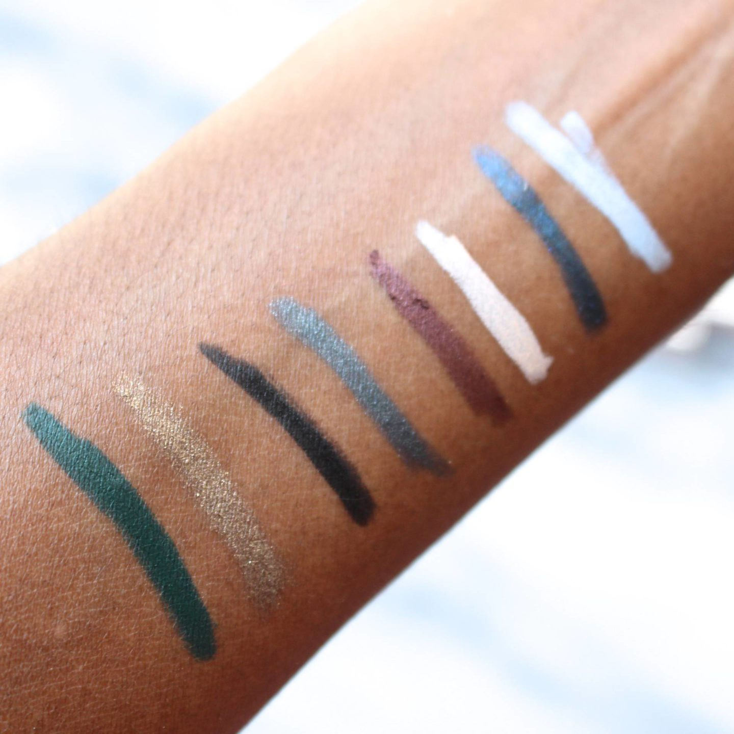 estee edit inside track eye kajal swatches